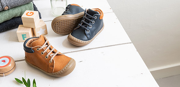 chinelos & botinhas